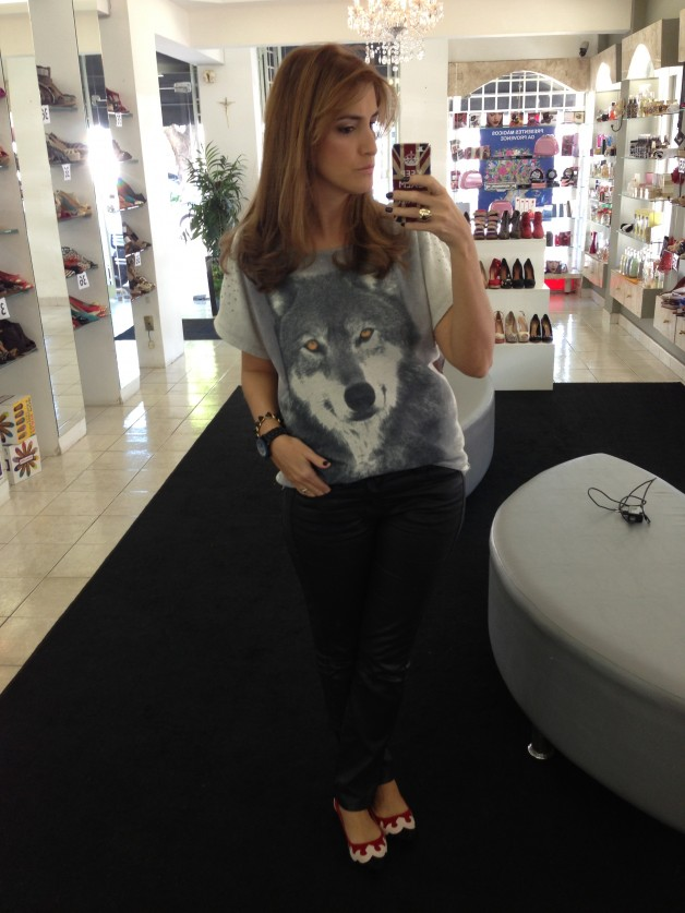 look-do-dia-look-of-the-day-look-du-jour-look-com-blusa-de-estampa-de-lobo-blog-de-moda-mais-influente-de-ribeirão-preto-blog-carola-duarte