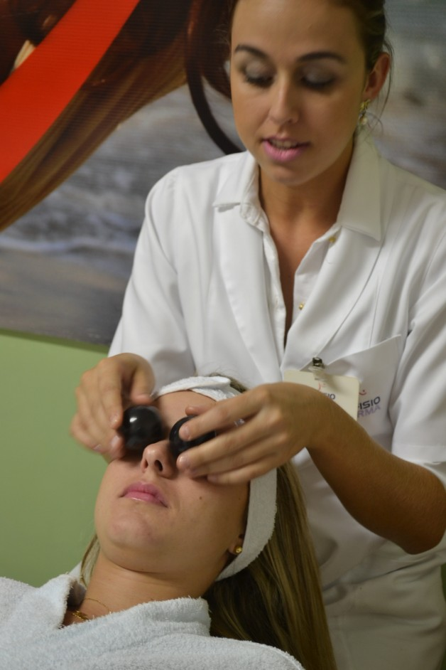 máscara-fisioforma-caviar-e-pérola-negra-clinica-de-estética-blog-carola-duarte