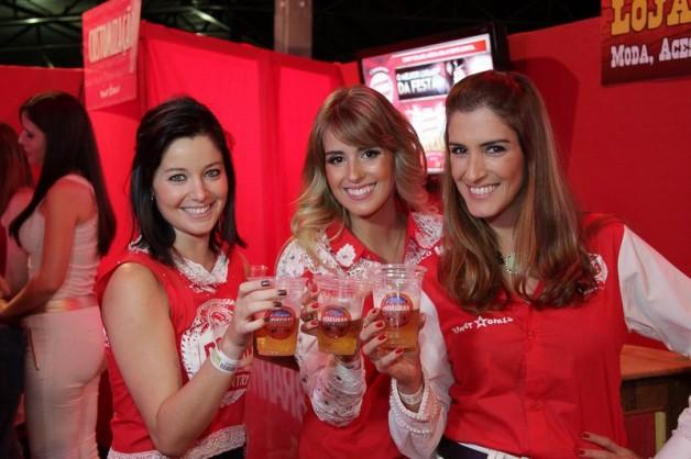 camarote-brahma-country-ribeirão-rodeo-music-primeiro-dia-melhor-lugar-da-festa-adriana-santana-blog-carola-duarte