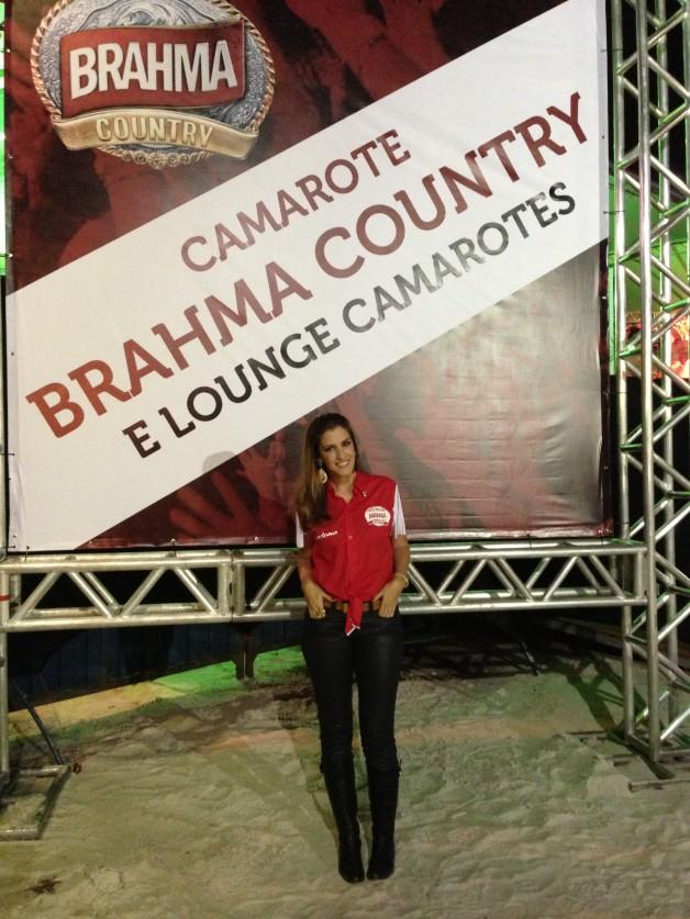 look-da-carola-duarte-camarote-brahma-country-primeiro-dia-melhor-lugar-da-festa-ribeirão-rodeo-music