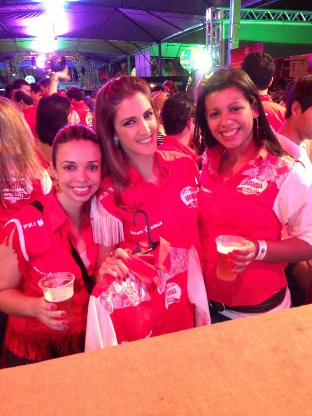 customização-camisas-camarote-brahma-country-ribeirão-rodeo-music-primeiro-dia-melhor-lugar-da-festa-adriana-santana-blog-carola-duarte