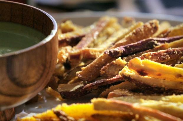bela-cozinha-ep05-batata-palito-molho-coentro-620