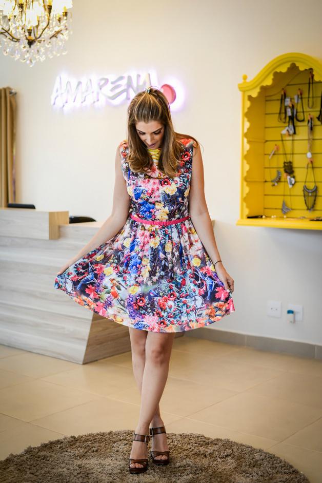 vestido-estampado-colorido-de-tecido-fluído-modelo-boneca-amarena-store-em-ribeirão-preto-blog-de-moda