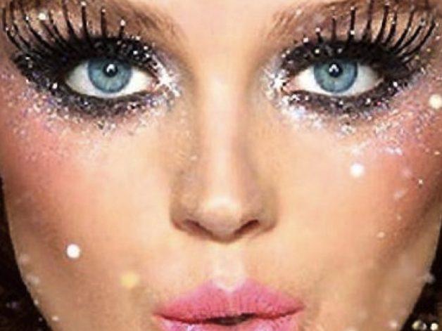 maquiagem linda com glitter para o carnaval