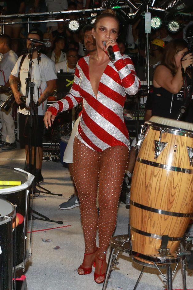O look de carnaval da Ivete Sangalo no terceiro dia em Salvador