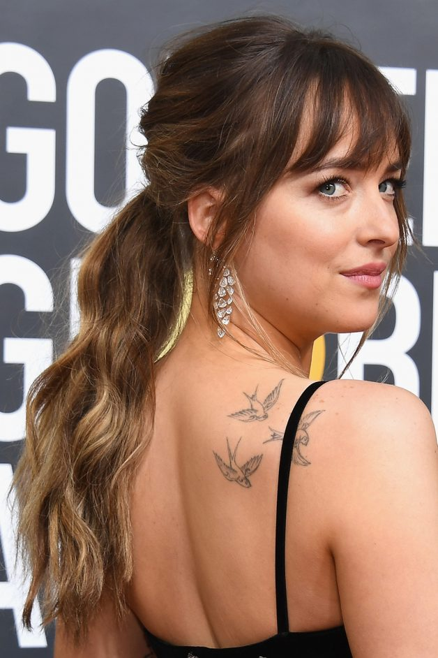 cabelo dakota johnson golden globes 2018