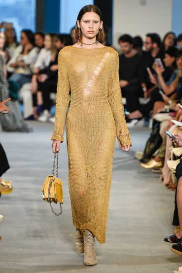 look transparente no desfile da animale